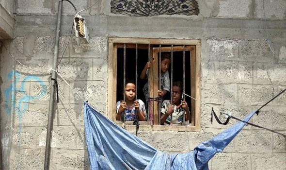 """اليمن يستغيث لإنقاذ """"صنعاء القديمة"""" بعد أن أوشكت مبانيها على"""