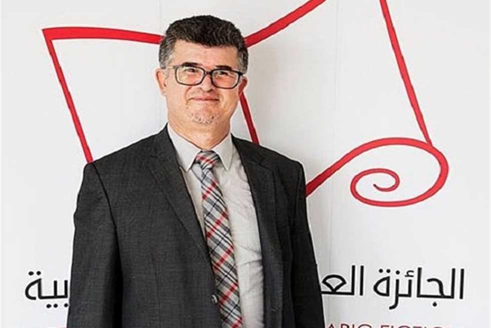 المغربي محمد مشبال يفوز بجائزة الملك فيصل في اللغة العربية والأدب