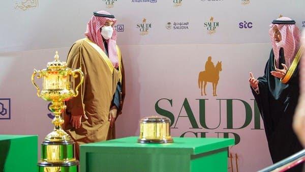 الأمير محمد بن سلمان يتوج الفائز بسباق كأس السعودية