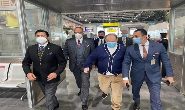 وزير الرياضة يتابع الحالة الصحية للاعبي منتخب الطائرة قبل السفر