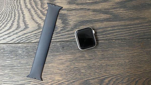 آبل تقدم إصلاحات مجانية لأجهزة Apple Watch
